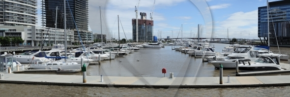 Melbourne panorama at Yarra