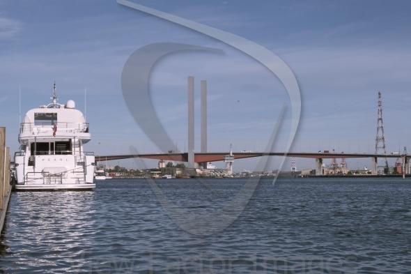 Boat and Bolte bridge